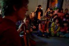 El bello e inédito video de Spinetta cantando en un jardín infantil. ¡'Flaco', seguis siendo grande!