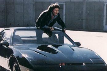 ¿Recuerdas el auto fantástico? Su protagonista vende una réplica y autografiada. ¡QUIERO comprarla!