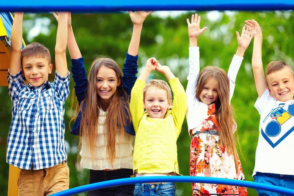 niños-felices-parque