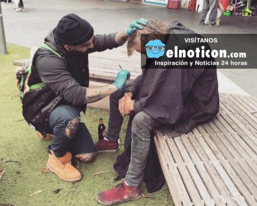 El peluquero que corta gratis el cabello a las personas sin hogar en Australia