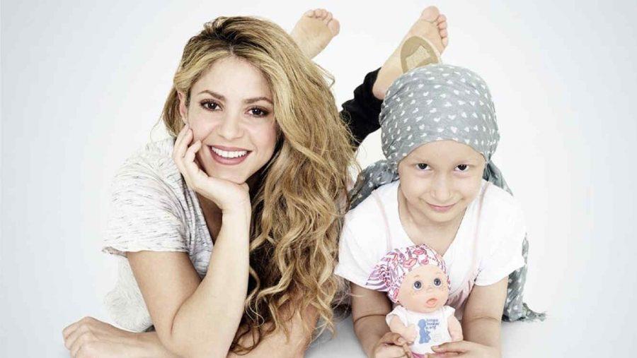 Shakira diseñó muñecas calvitas, para ayudar a los niños que tienen cáncer y hayan perdido su pelo