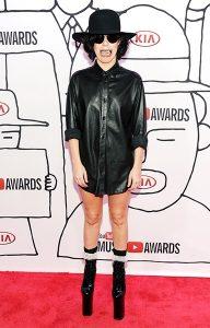 3nov2013-lady-gaga-outrageous-outfits-600
