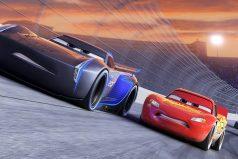 Conoce a Jackson Storm, el nuevo rival de Rayo McQueen en 'Cars 3'. ¡Para no perdérsela!