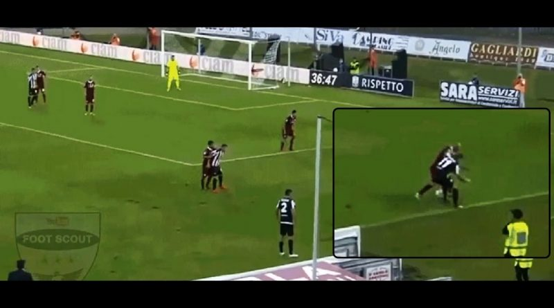 Riccardo-Orsolini-Ascoli-humiliates-a-defender-with-two-exceptional-dribbles