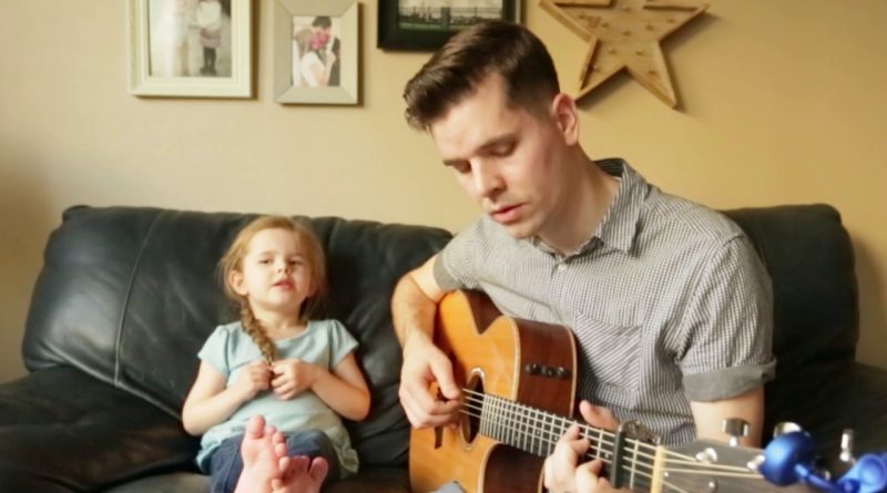Youve-Got-a-Friend-In-Me-LIVE-Performance-by-4-year-old-Claire-Ryann-and-Dad