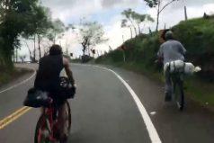 El campesino que en su bicicleta le ganó a dos triatletas europeos, ¡Colombia, tierra de escaladores!