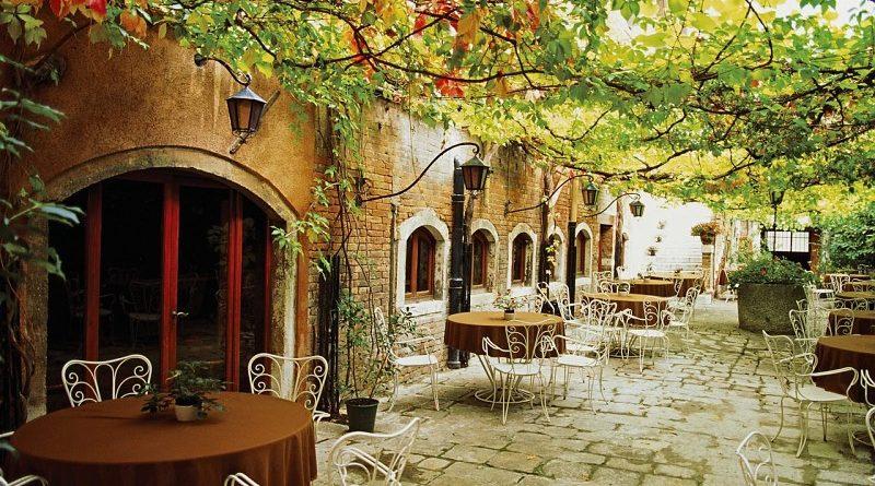 cenando-en-italia
