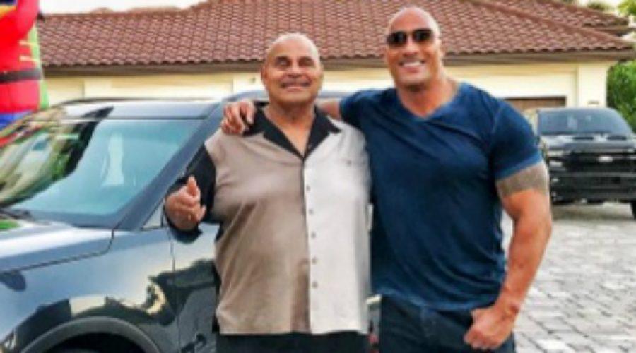 La increíble camioneta de lujo que le regaló Dwayne 'The Rock' Johnson a su padre