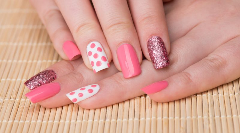 Esta nueva forma de pintarte las uñas te cambiará la vida