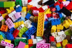 ¿Recuerdas tus fichas de Lego? Están de cumpleaños ¡el FAMOSO juego que enamoró a todos!