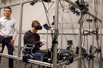 Facebook crea guante para realidad virtual, ¡lanzaría telarañas como Spiderman!