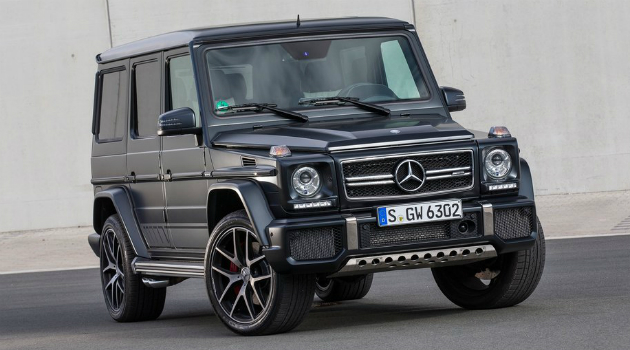 ¿Te gusta Romeo Santos? Mira su colección de carros de lujo