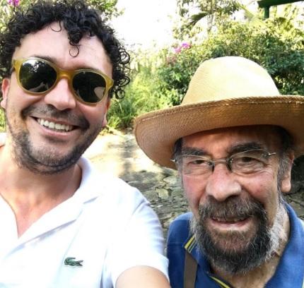 El cantante Andrés Cepeda está de luto por la pérdida de su padre