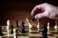 ¿Te gusta el ajedrez? 5 curiosidades, ¡la hija de James lo ama!
