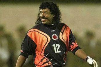 ¿Recuerdas 'El escorpión' de René Higuita? Con razón le decían 'El Loco'. ¡La mejor jugada en la historia del fútbol!