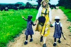 Madonna comparte por primera vez un bello video de sus gemelas adoptadas en África