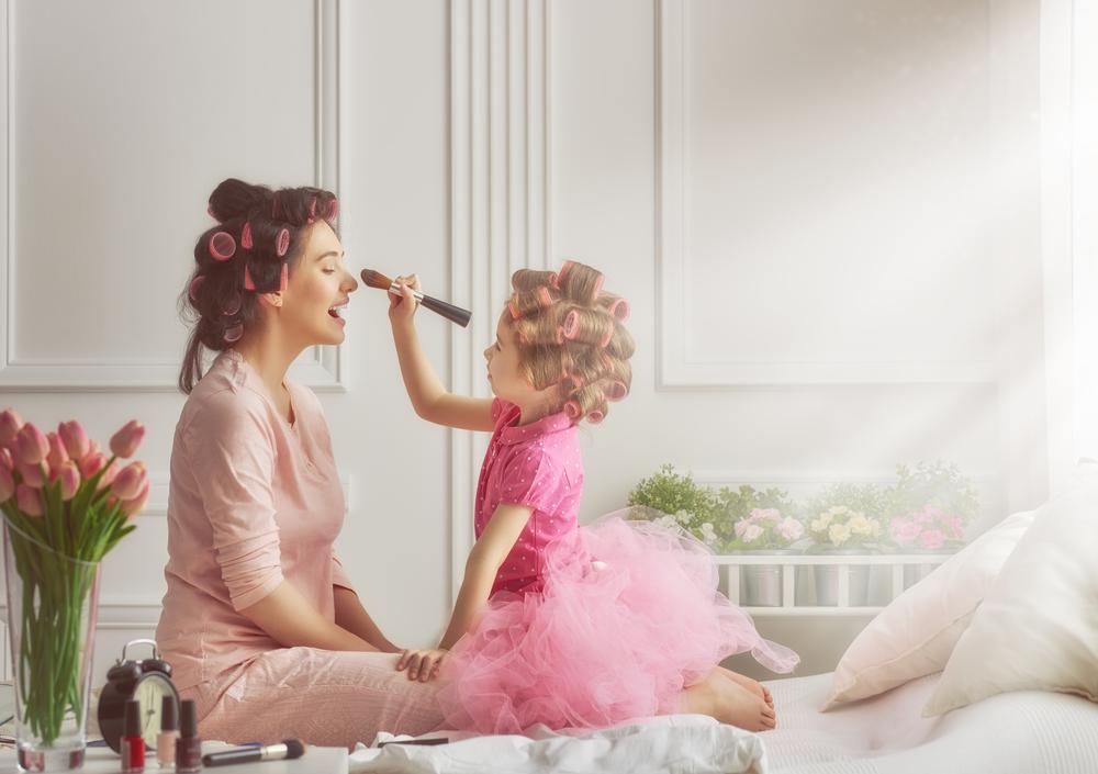 mama-hija-pequeña-maquilalje