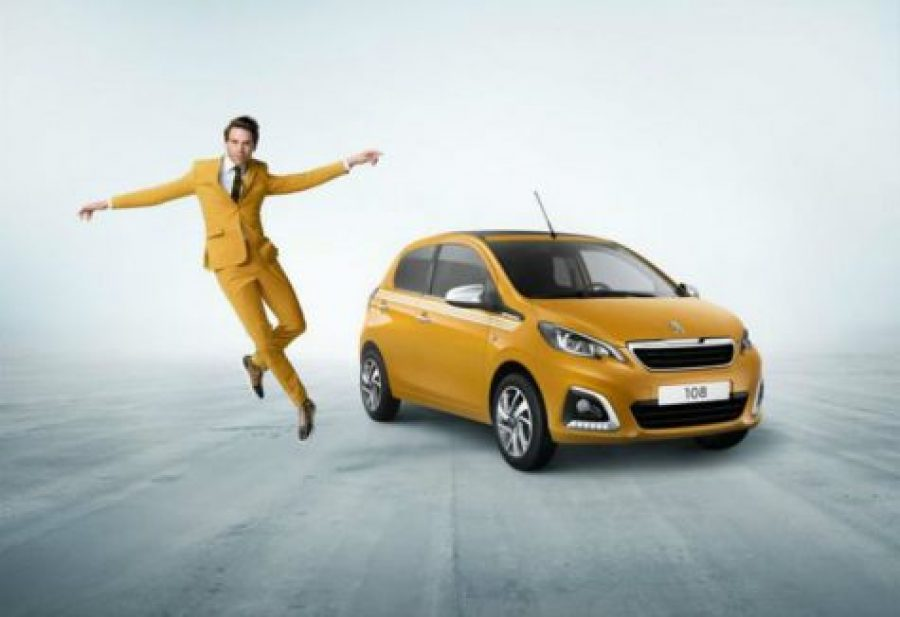 El cantante Mika, embajador Peugeot 108