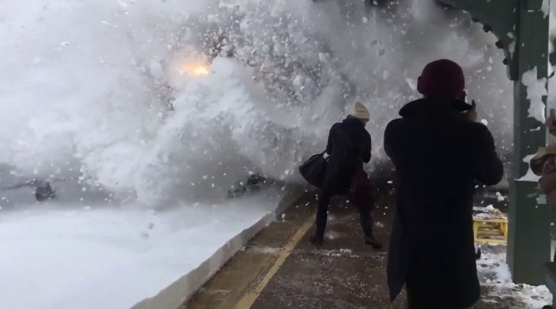Amtrak-Train-Slams-Passengers-With-Snow-Rhinecliff-New-york
