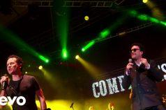 No puedes perderte a los 'compadres' Cepeda y Fonseca cantando 'Mejor que a ti me va'… ¡Versión reggae!