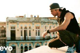 'Súbeme la radio' muestra el lado más urbano de Enrique Iglesias desde La Habana. ¡Hasta cantó sin protección al borde de un edificio!