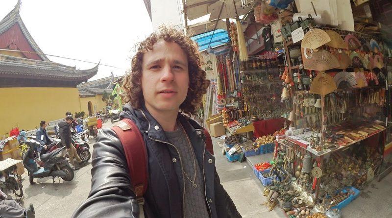 Explorando-un-MERCADO-DE-PIRATERÍA-EN-CHINA