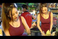 ¡Por qué lo complican todo! Típico en los asiáticos: convierten la cotidianidad en un show. ¿En serio? ¡Dame mi helado YA!