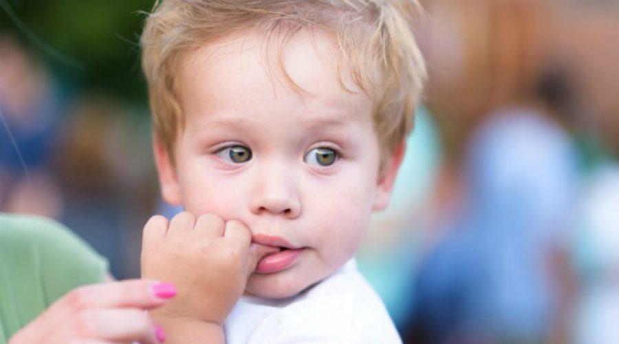 Esto es lo que debes hacer si tu hijo chupa dedo ¡cuídalo!