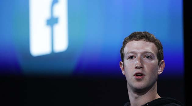 Mark Zuckerberg, Facebook's co-founder and chief executive introduces 'Home' a Facebook app suite that integrates with Android, during a news conference in Menlo Park, California in this file photo taken April 4, 2013. Facebook Inc introduced video for its popular photo sharing application Instagram in an attempt to go to head-to-head with rival Twitter.  REUTERS/Robert Galbraith/Files  (UNITED STATES - Tags: BUSINESS SCIENCE TECHNOLOGY TELECOMS)