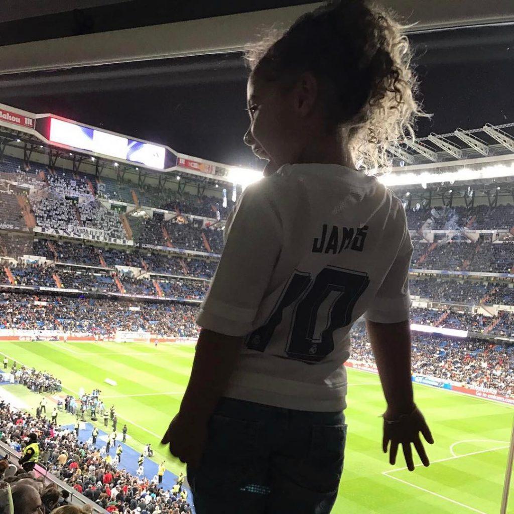 La aficionada del Real Madrid que tiene enloquecido a James