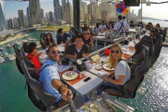¿Te atreverías a almorzar en este restaurante ubicado en el 'cielo'?