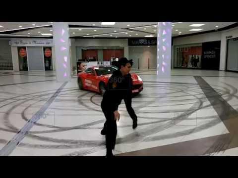 -гонка-мажора-на-Ferrari-по-торговому-центру-в-Москве-попала-на-видео