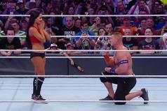 John Cena propone matrimonio y ¡de la mejor forma a Nikki Bella!