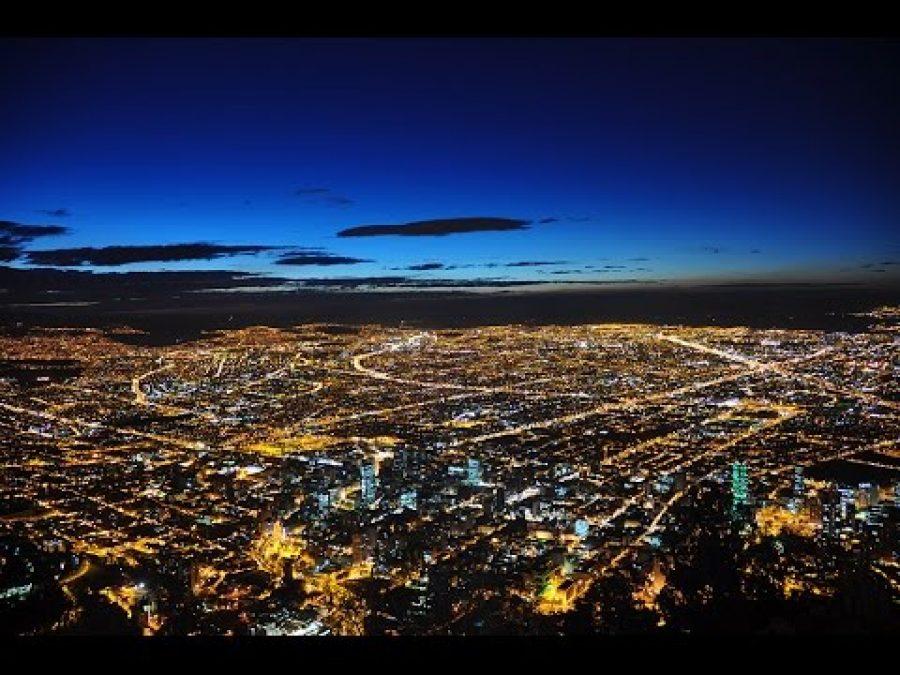Histórico para Colombia, se inicia cacerolazo en Bogotá