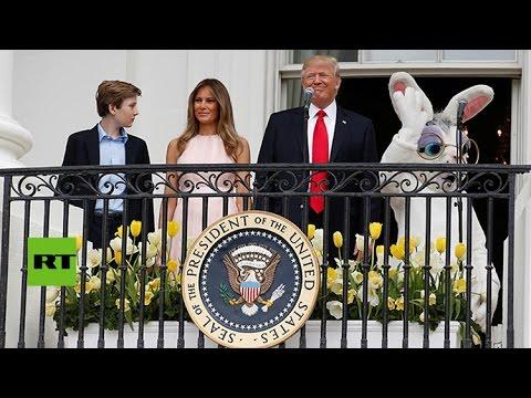 El-momento-incómodo-en-que-Melania-Trump-salva-a-su-esposo-en-la-fiesta-de-Pascua