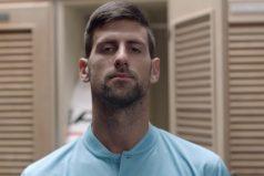 El divertido 'ritual' de Novak Djokovic para entrar en 'ritmo' de competencia. ¡Vaya swing!