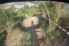 ¿Sabes qué es el Downhill? Descubre el vértigo que se siente descender una montaña en bici. ¡Interminable!