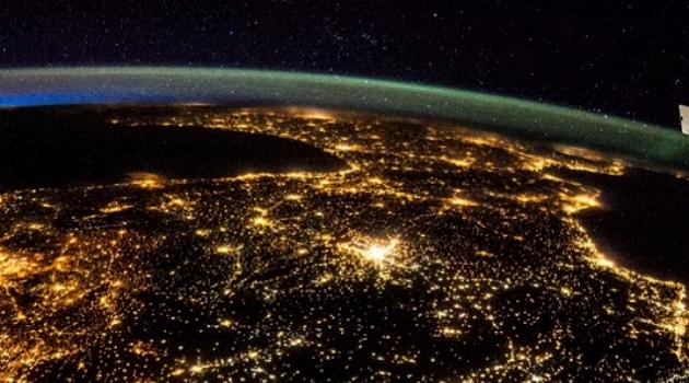 Imágenes de la NASA muestran cómo es la Tierra de noche