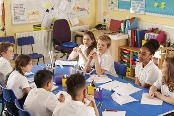 Enseñar a los niños mediante proyectos colaborativos ayuda a su formación en valores