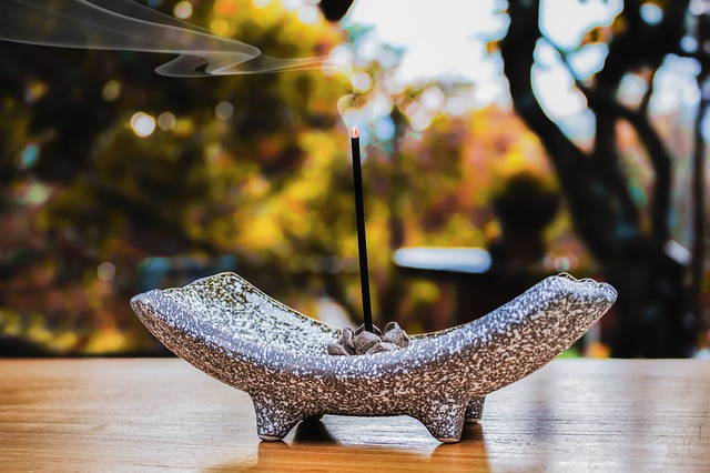 incense-2043115_640