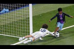 ¡Innegable el parecido con su padre! El hijo de Cristiano Ronaldo sorprende con este regate… ¡A todo el Santiago Bernabéu!