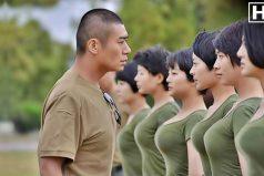 ¡El desfile militar del ejército chino! Es tan sincronizado que parece diseñado por computador. ¡Impresionante!