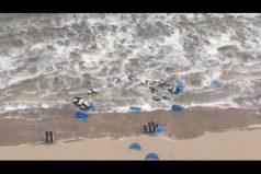 ¡El tremendo poder de la naturaleza! Así fue el pequeño tsunami que afectó la costa de Zandvoort (Holanda)