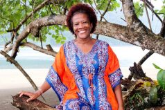 Josefina Klinger, la mujer 'afro' que trabaja por el medioambiente. ¡Es una inspiración!