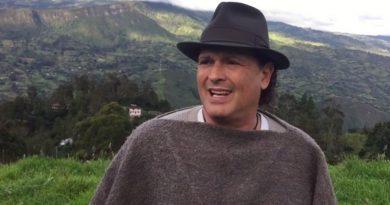 Carlos Vives rinde oficialmente homenaje a los ciclistas colombianos, ¡un video muy inspirador!