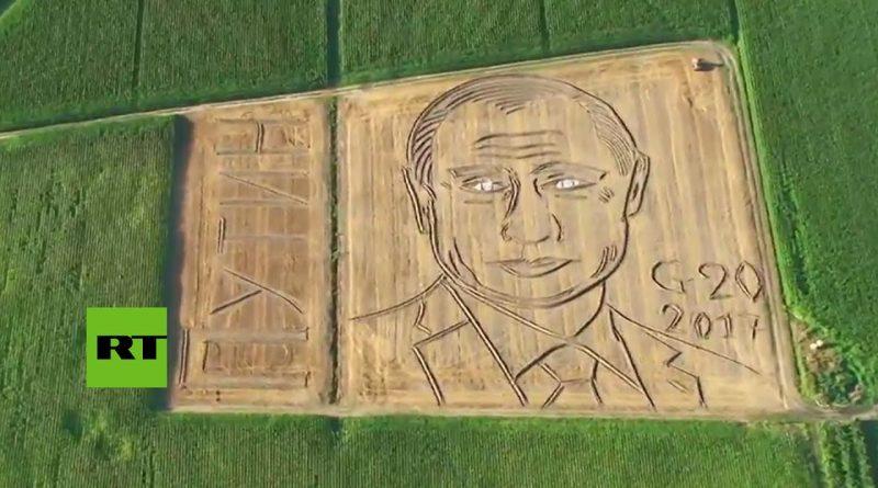 Putin-GIGANTE-retratado-en-un-campo-de-trigo