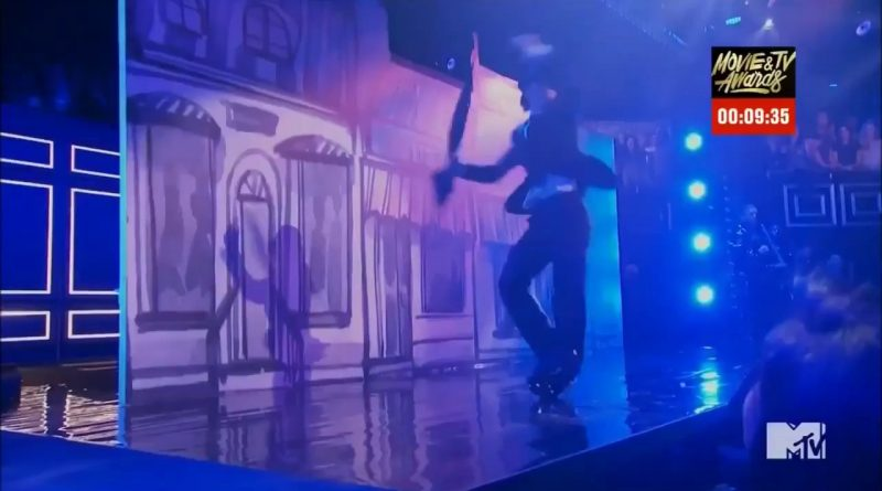 Tom-Holland-Performs-Umbrella-on-Lip-Sync-Battle