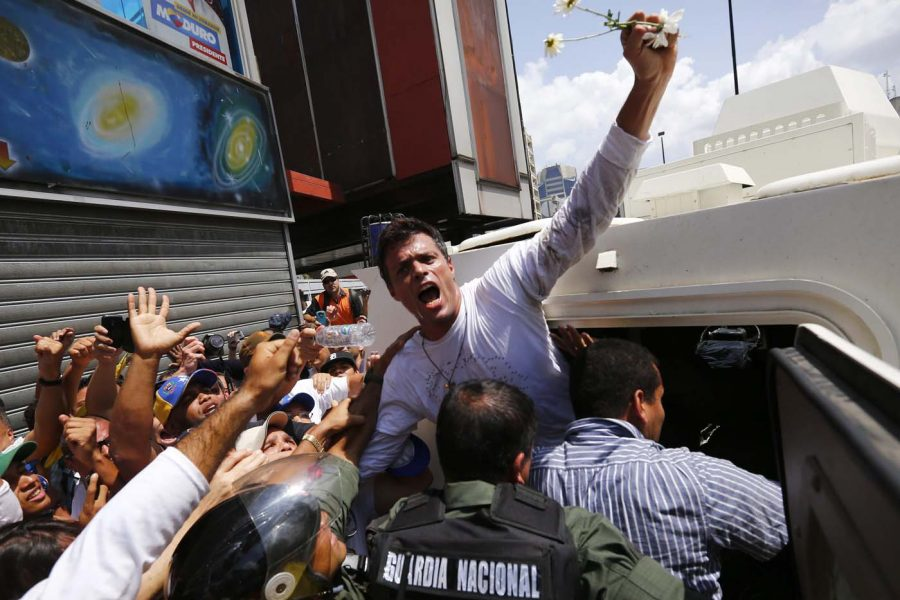 Leopoldo López sale de la cárcel, ¡la razón es muy triste!