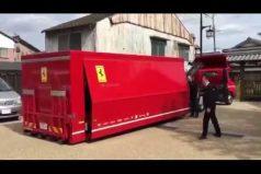 Así es la entrega a domicilio de un Ferrari. ¡Sorprendente! ya sabes qué pedir de regalo