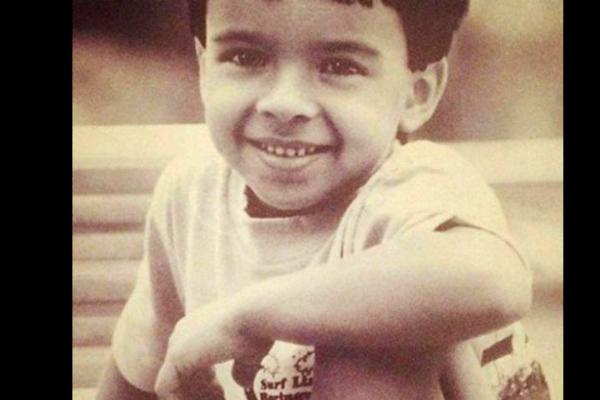 Luis Fonsi irreconocible en fotos antes de ser famoso ¿Será el mismo? 1